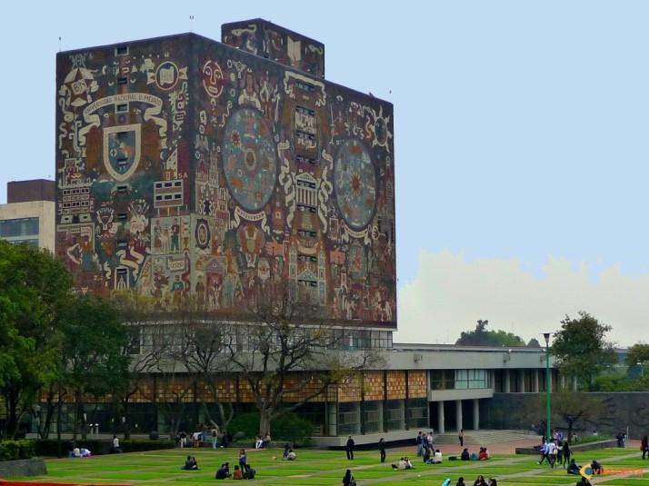 Bibliothèque du campus universitaire