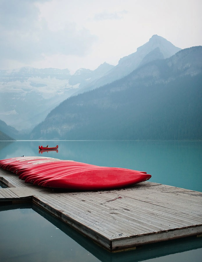 312_lakelouise_canoes_grantharder