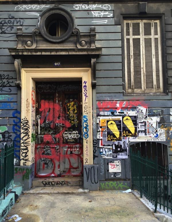 cours julien street art