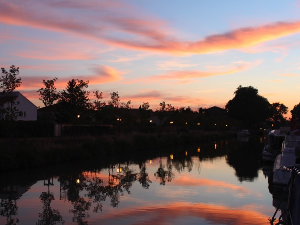 coucher de soleil à Villeneuve les Béziers
