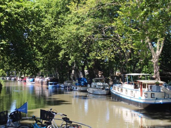 péniches sur le canal du midi