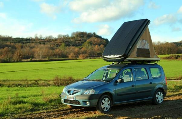 Les nomades peuvent monter leur tente sur leurtoit